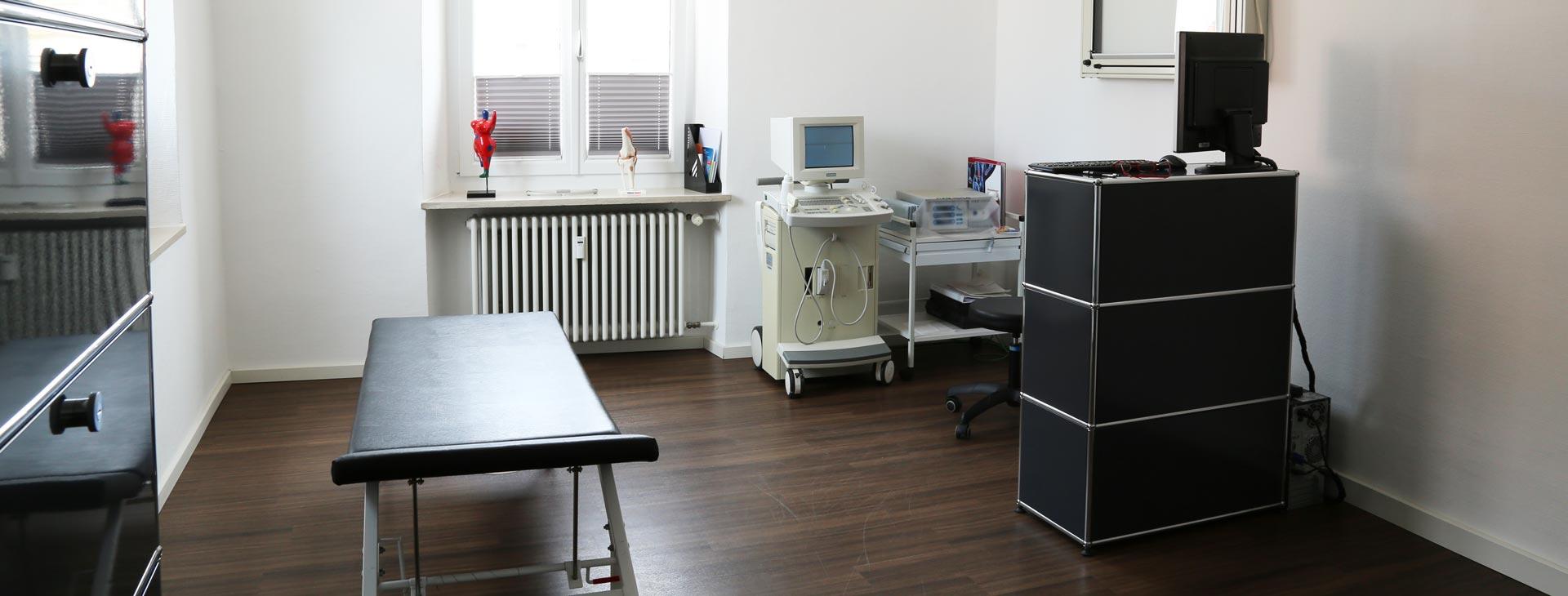 Behandlungszimmer der Orthopädie-Praxis in Straubing